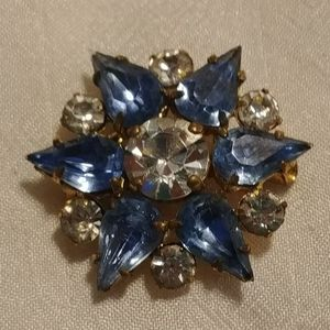 🌺2/$25 or 5/$50 Blue and Clear Rhinestone Brooch